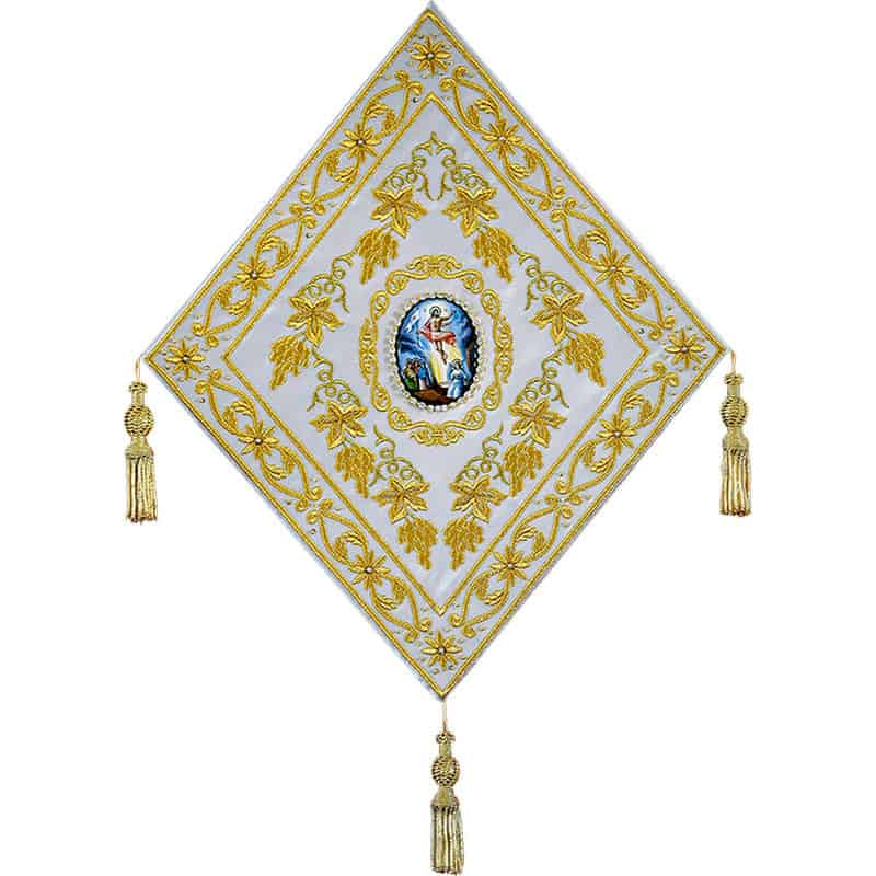 Палица, декорированная эмалью